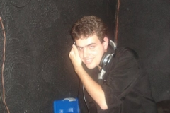 DJ (19)
