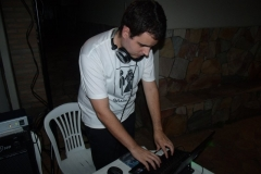 DJ (20)