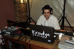 DJ (25)