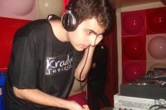 DJ (28)